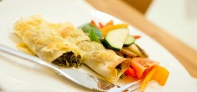 Pastaruller med spinat- og ostefyll – vegetaroppskrift