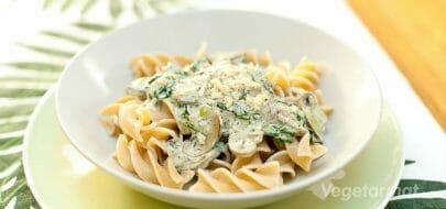 Pasta med sopp- og spinatsaus – vegetaroppskrift
