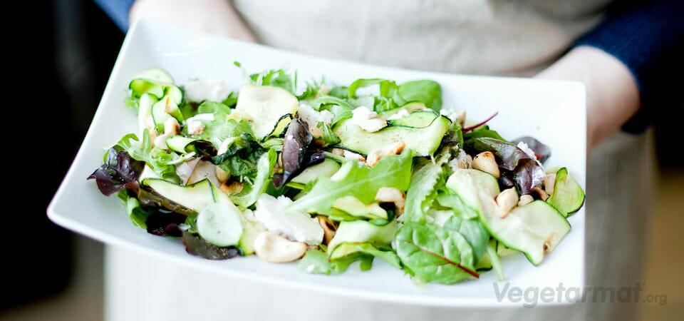 Salat med grillet squash