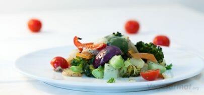 Grønnsaksform med urtesaus – vegetaroppskrift