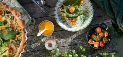 Pai med sopp, spinat og vårløk – vegetaroppskrift