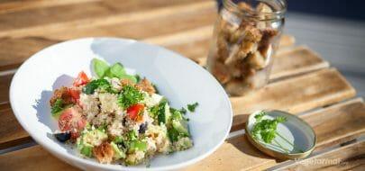 Lun quinoa-salat – vegetaroppskrift