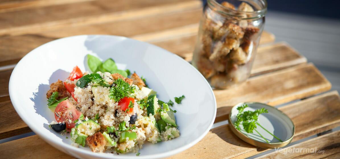 Lun quinoa-salat