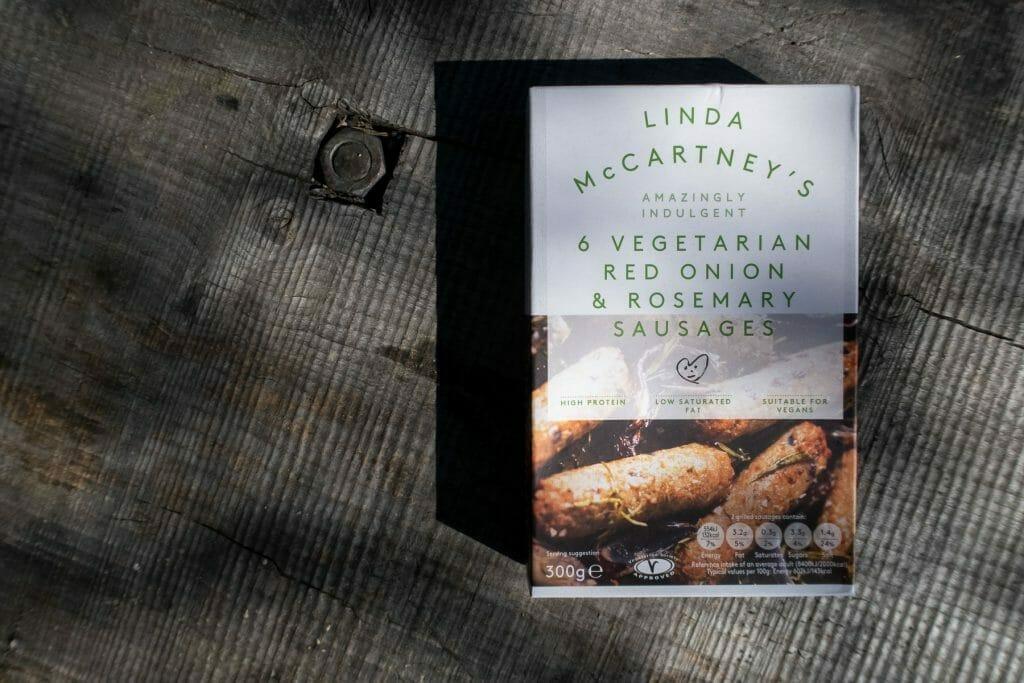 Test av vegetarpølse fra Linda McCartney: rødløk og rosmarin-pølser